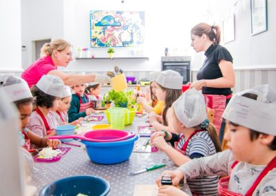 kochschule und kindercafé